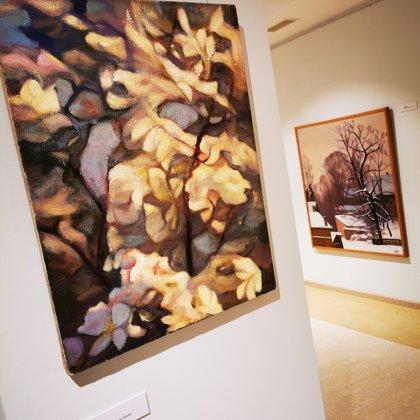 """Birutas Delles gleznu izstādes """"Daba skatās uz mums"""" atklāšana"""