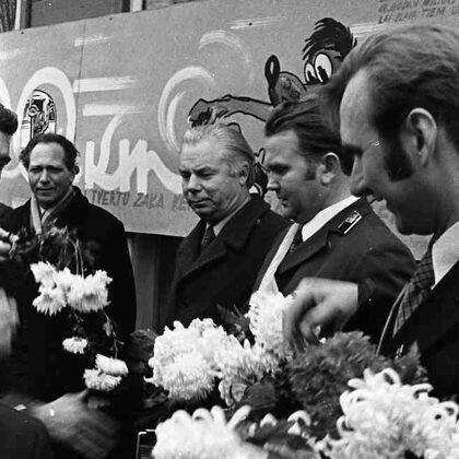 Šoferu sveikšana Ogres autoostā. 1975. gada 20. novembris