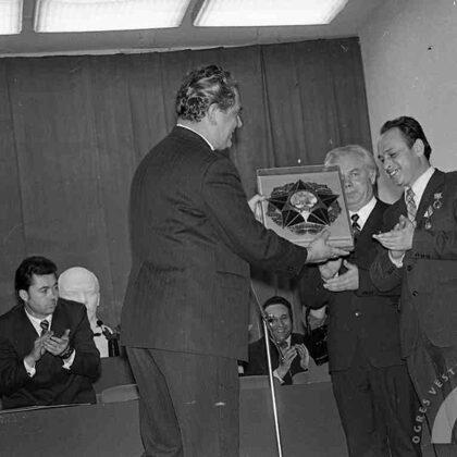 Sveic Latvijas Republikas arodbiedrību padomes priekšsēdētājs A. Zitmanis, 9.04.1976.