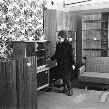 Jaunatvērtais sadzīves pakalpojumu kombināta Ogres mēbeļu salons. 1973. gada marts