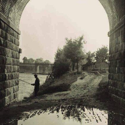 Dzelzceļa tilta arka, 20. gs. 20. gadi