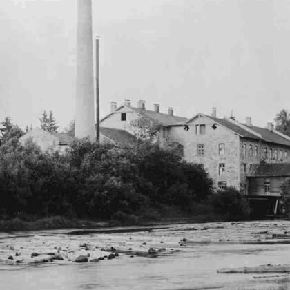 Papes fabrika, 20. gs. sākums