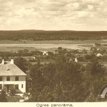 Skats no Bākas kalna. Fonā redzama Ogres upes ieteka Daugavā un Ogres sala. 1935. gads