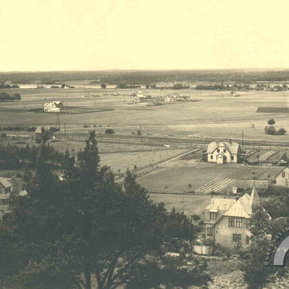 Skats no Kazaku kalna. Priekšplānā redzamā ēka atrodas Strēlnieku prosp. 20. gs. 30. gadi